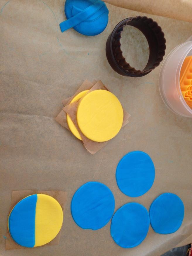 Minions cupcakes 5