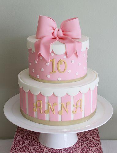 Bow cake pink