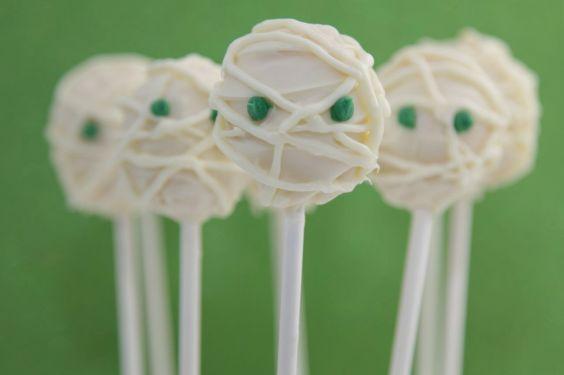 Mummy Halloween Popcakes