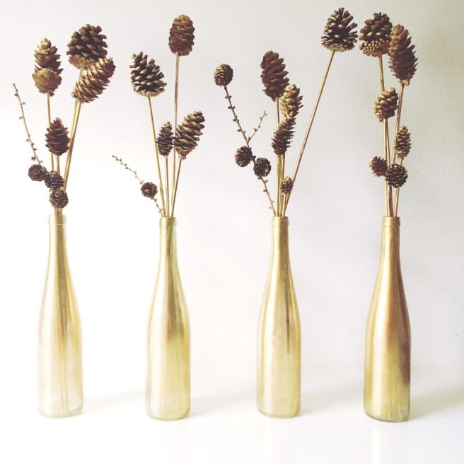 golden vases christmas