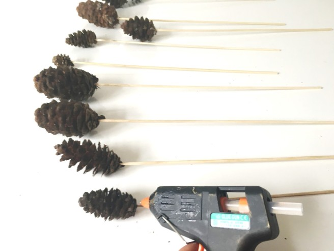 Pine cone sticks diy