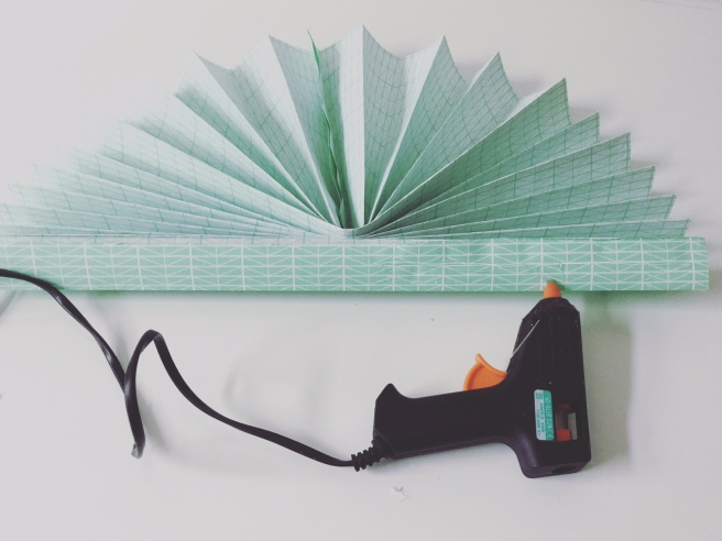 diy paperfan