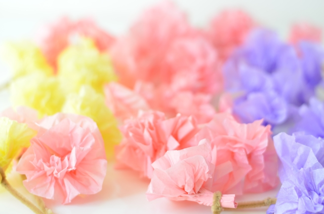 DIY FLOWERS GARLAND