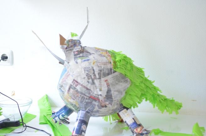 dinosaur-pinata-10