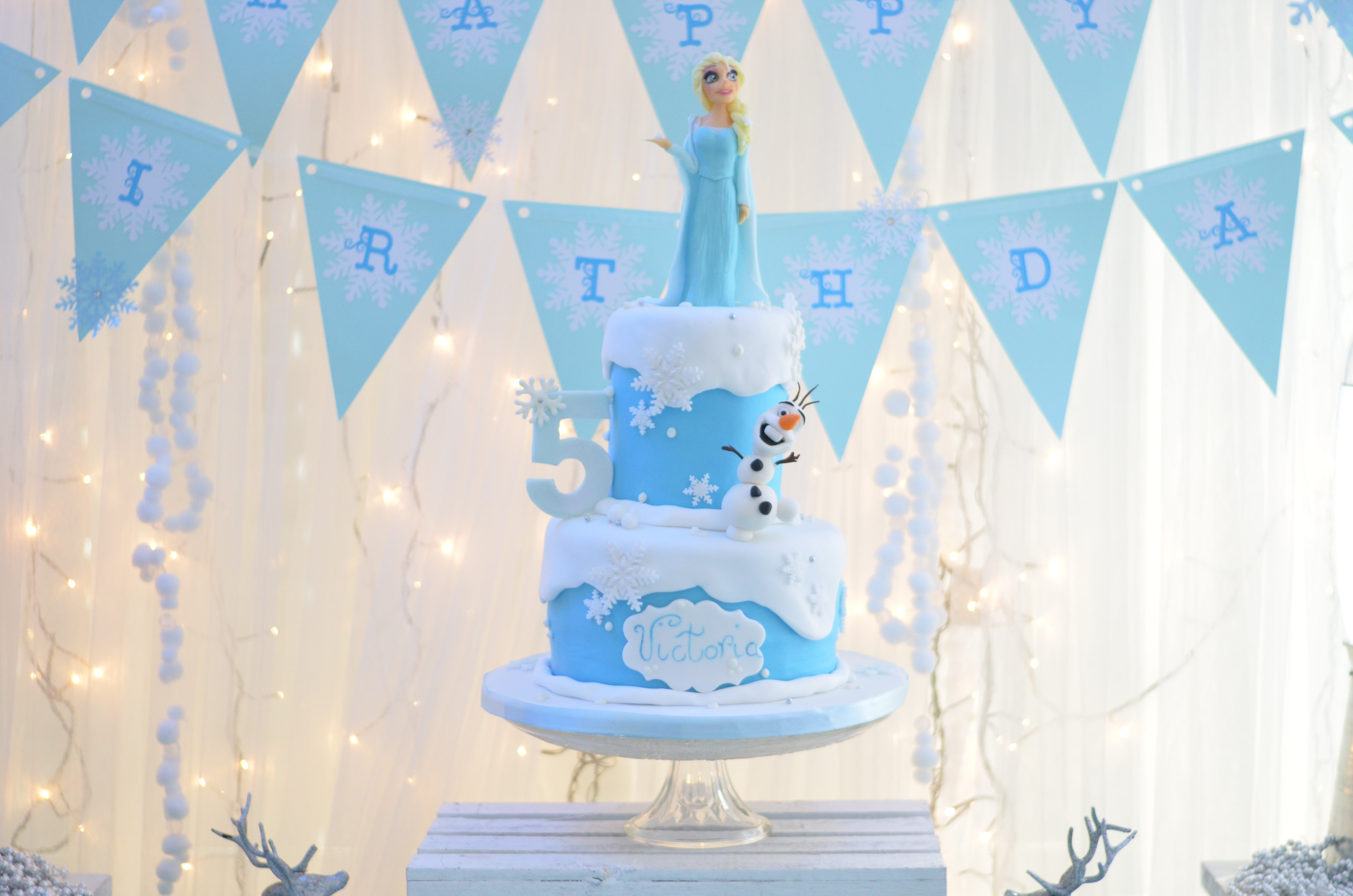 Classy Frozen Party The Party Ville Party planner Luxembourg