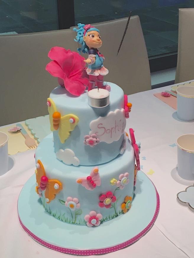 Luna Petunia Cake